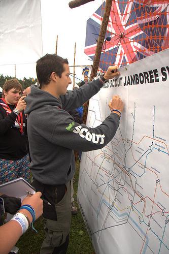 Autographe plan | BearGrylls.fr