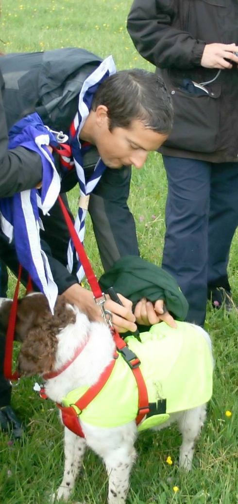 Autographe Sur chien   BearGrylls.fr