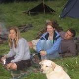 Sarah et leur chien Bear Grylls