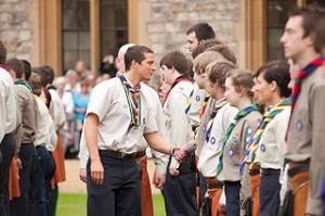 Bear grylls et les scouts